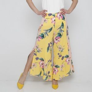 Pants - Just in! yellow floral wide leg capris